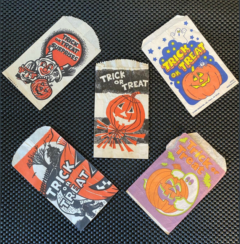 Vintage Lot of 5 Halloween Paper Trick or Treat Candy Bags Multiples Of Each