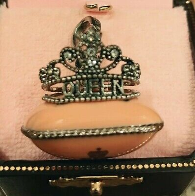 JUICY COUTURE 2008 CROWN ON PILLOW CHARM YJRU2725 PRE-OWNED