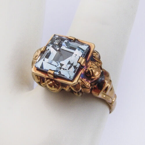 Antique Square Cut Blue Zircon Ring 14 K Yellow Gold