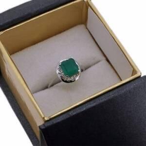 Emerald and white gold dress ring Gungahlin Gungahlin Area Preview