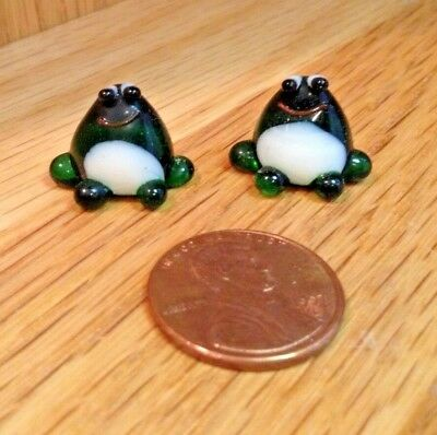"""ADORABLE LOT OF TWO GLASS ITSY-BITSY LITTLE MINIATURE GREEN FROG FIGURINES"""
