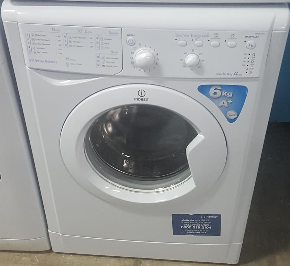 q360 white indesit 6kg 1200spin washing machine comes whith warranty can be delivered or collected