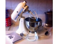 KITCHENAID FOOD MIXER,USED ONCE,IN NEW CONDITION,COMES WITH BOWL,GUARD & ATTACHMENTS,BOURNEMOUTH