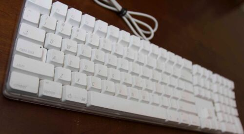 Apple A1048 Mac Pro White Wired USB Keyboard - Used