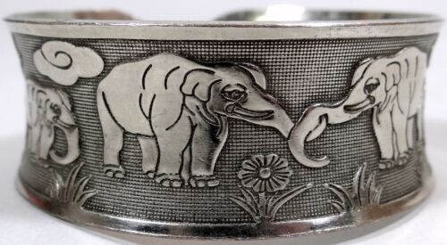 Vtg Elephant Cuff Bracelet Silver Tone Metal Locking Trunks Gypsy Boho Hippy