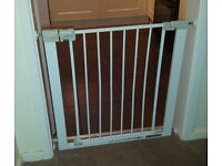 Safety 1st Pressure Fit Metal Safety Gate / stair gate / door gate
