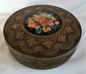 antique biscuit/cake tin