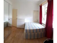 Bedsit available in West London, East Acton, Central line. 200 pw all included