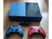 XBOX ONE FORZA EDITION 1TB CONSOLE + KINNECT , EXTRA CONTROLLER, GAMES, HEADSET PRICE IS ONO