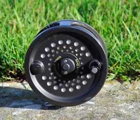 Magnum 2000D fishing reel