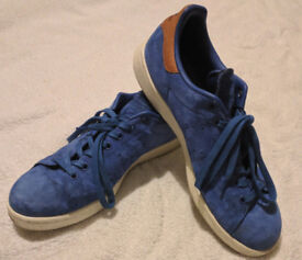 Suede Blue Adidas Stan Smith size 9.5 Barely Worn