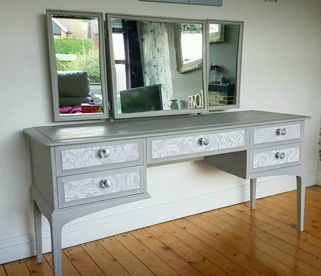 Stunning Large Stag Dressing Table Grey And Silver Newly
