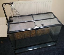 Exo Terra Glass Reptile Terrarium - 90L * 60H * 45D - plus Lock & Heat Lamp/Mounting
