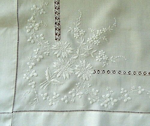 Old Victorian tablecloth linen w/w French 3D emb/ry Tenerife strip ladder lace