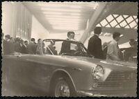 Yz0068 Esposizione Automobili - Visitatori - Foto D'epoca - 1957 Old Photo -  - ebay.it