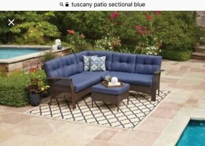 Wanted: outdoor furniture in blue