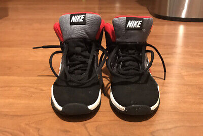 Nike: Boys Size 3 Black And Red Basketball/Athletic Shoes