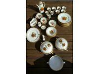 Crockery set incl tea, coffee & serving pieces