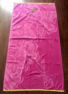 Large Dragonfly Beach Towel. Ex. Cond. $5.00
