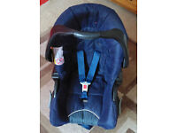 Graco Junior Baby Car Seat (Blue) with Isofix Base