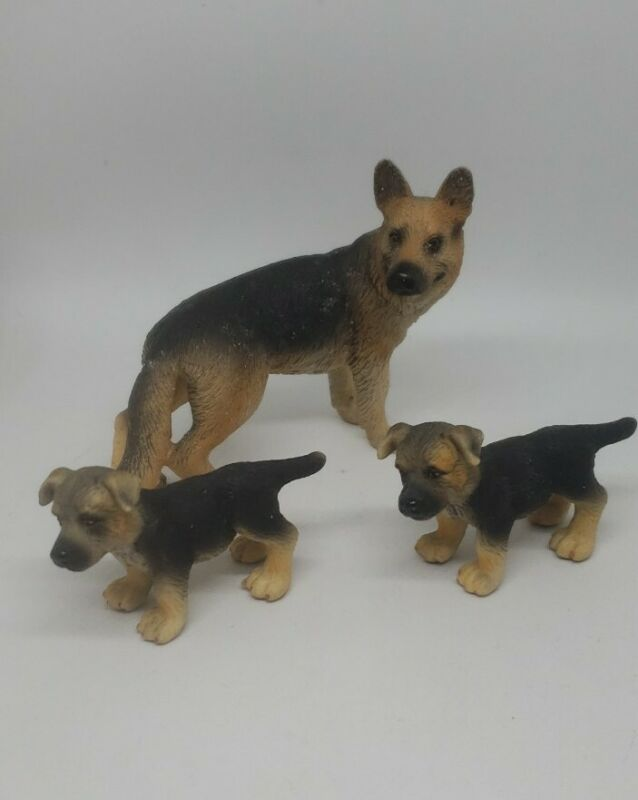 Schleich Dog Figurines German Shepherd Female and 2 Puppies 2007 USED
