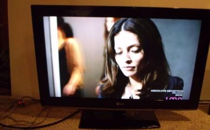"LG 32"" HD LCD Flatscreen TV Mount Claremont Nedlands Area Preview"