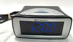 Emerson SmartSet Dual Alarm Clock AM/FM Radio CKS9031 TESTED WORKING