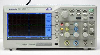 Tektronix Tbs1202b 200 Mhz 2-channel Oscilloscope W 2 P2220 1x10x Probes 2gss