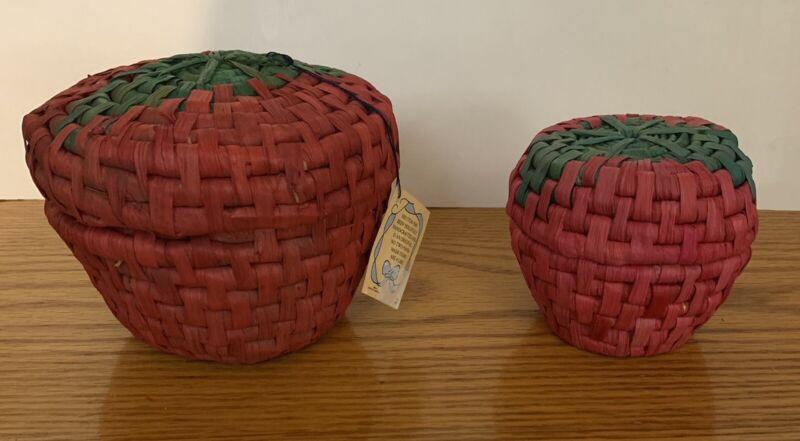 Wicker Strawberry Shaped Nesting Baskets Woven Straw Kitchen ~ Set Of 2