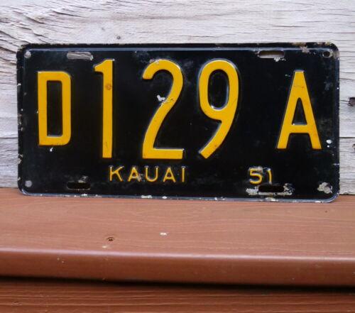 1951 Hawaii Island of Kauai Black Yellow Automobile License Plate D129A