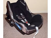 Maxi-Cosi CabrioFix Group 0+ Baby Car Seat + Easy Base2