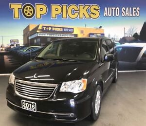 2016 Chrysler Town & Country NAVIGATION,. DVD, POWER DOORS, AND