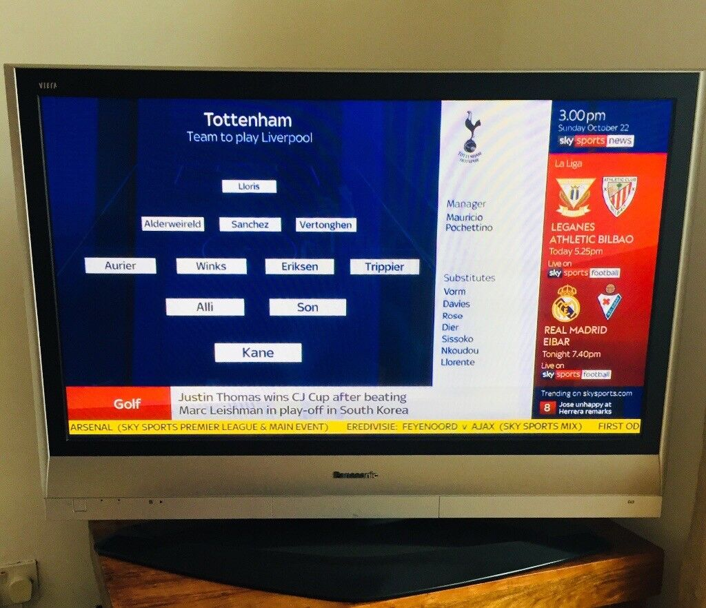 Panasonic viera 42inch plasma TV in working order with remote very good condition | in Rayleigh