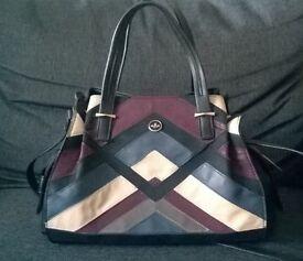 New NICA handbag, black/multi.