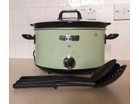 Crock Pot CSC022 slow scooker unwanted gift and in perfect condition