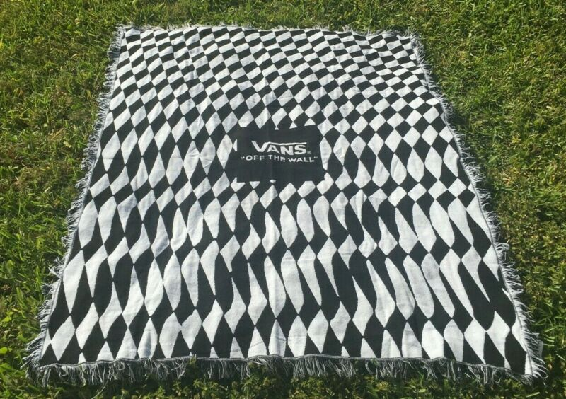 VANS Off The Wall checkerboard throw blanket fringe skate surf skateboarding