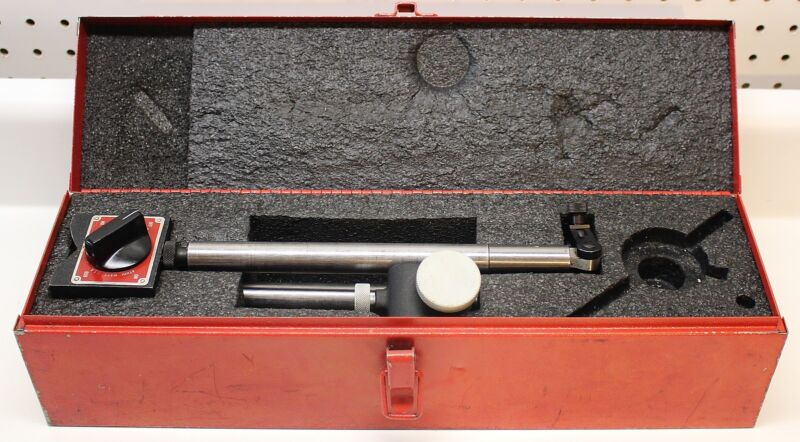 STARRETT No. 659 HEAVY DUTY MAGNETIC BASE, INDICATOR HOLDER WITH CASE