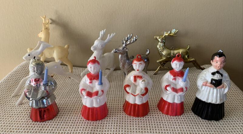 VINTAGE 1950s ~ HARD PLASTIC ~ 5 CHRISTMAS CAROLERS &  5 DEER