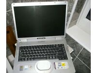 Packard Bell EasyNote Laptop (1.4GHZ Celeron, 512MB, 35GB HDD, DVD Drive)