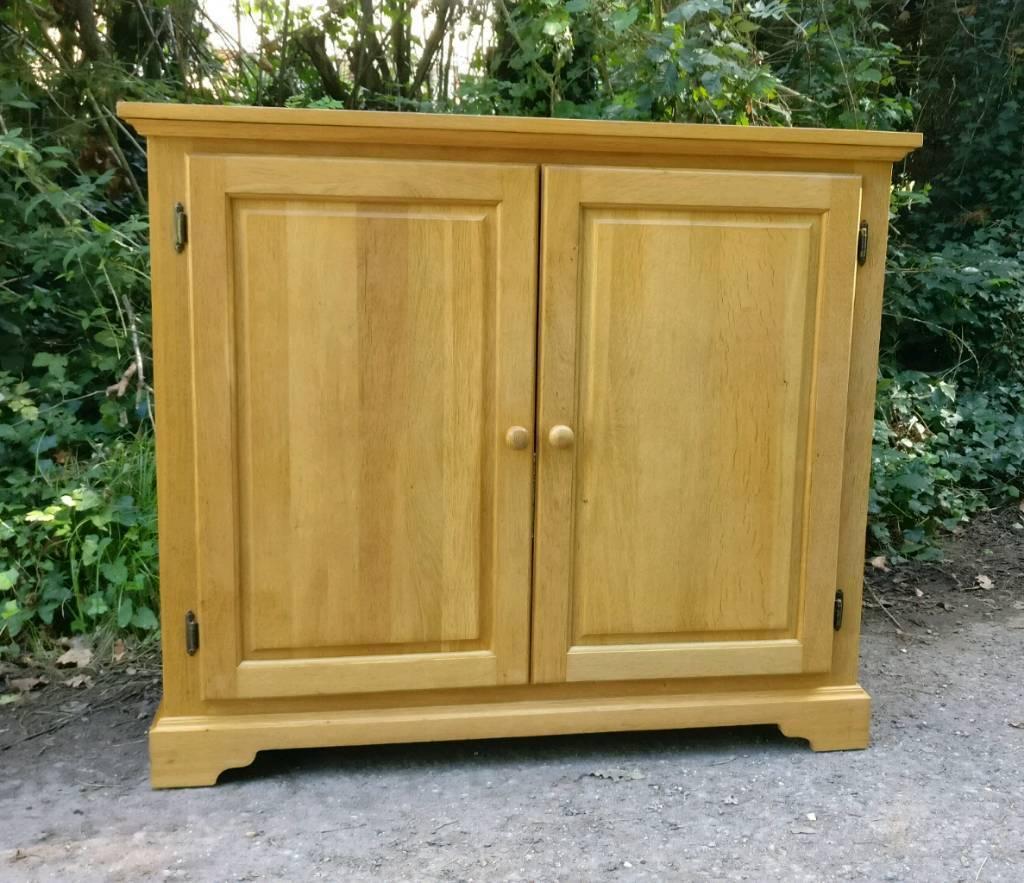 Solid Oak Sideboard Dresser Drink Cupboard Cabinet Unit Tv