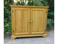 Solid Oak Sideboard Dresser Drink cupboard Cabinet unit Tv Fush tank stand