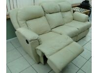 Leather Sofa - Cream - Electric Recliners - Top Quality - Very Comfortable