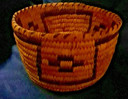PIMA NATIVE AMERICAN INDIAN BASKET 3 1/4 TALL 6 INCHES WIDE FANTASTIC SHAPE OLD