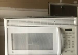 """30""""!Ge over the range microwave great  condition/can deliver"""