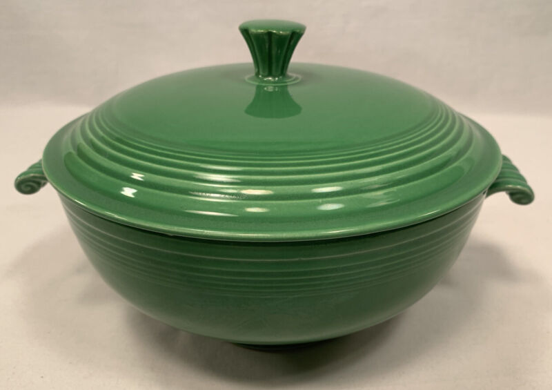 Fiestaware Medium Green Covered Casserole Fiesta HLC Homer Laughlin Lid Lidded