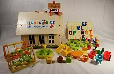 Vintage Fisher Price Little People 923 Play Family School House 1970's 1960's