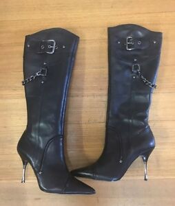 RMK knee high leather boots Vermont South Whitehorse Area Preview