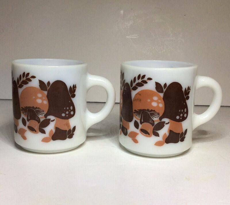 Hazel Atlas Mushroom Mugs Cups 8 Oz White Brown Vtg Set Of 2