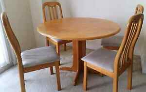 Round Pine Table & 4 Chairs Westmead Parramatta Area Preview