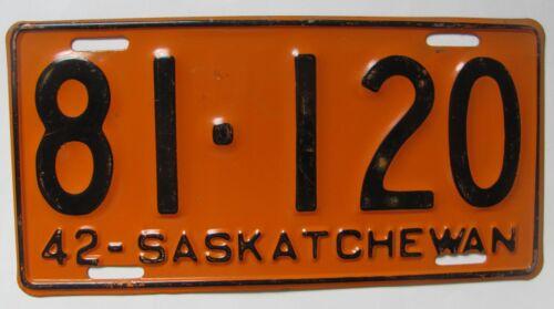 1942 Saskatchewan car license plate NICE ORIGINAL